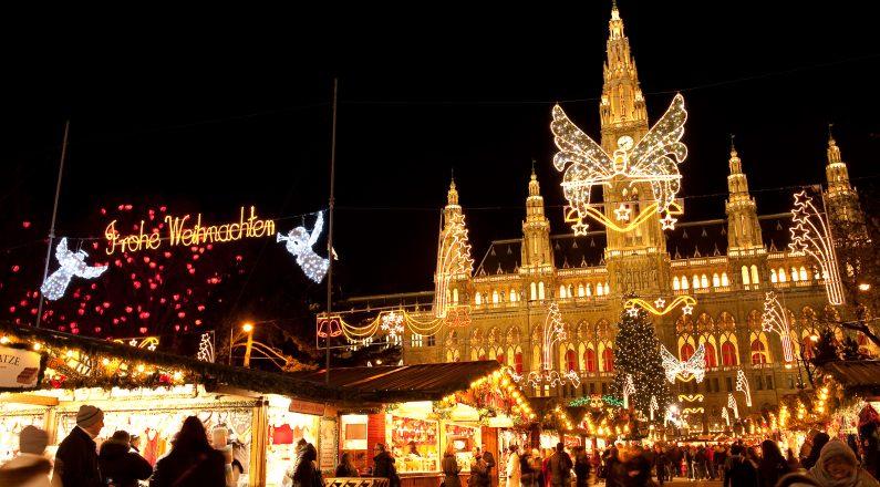 Weihnachtlicher Rathausplatz